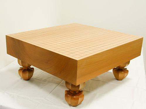 碁盤 北海道産桂材3寸(厚,約8,6cm)足付盤(上)