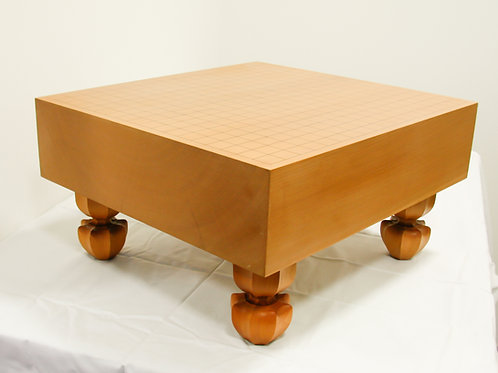 碁盤 北海道産桂材4寸(厚,約11,6cm)足付盤(上)