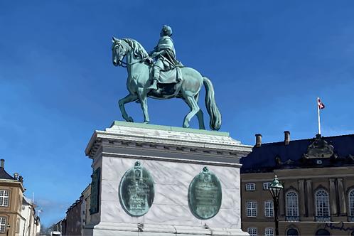 Frederik V rytterstatue kort