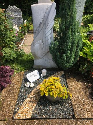 Examples of Cemetery Designs of Blumen Kaspar