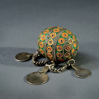 19th-century barbarian fertility jewel f
