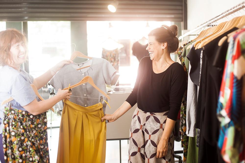 eu e cliente Paula durante serviço de compras inteligentes