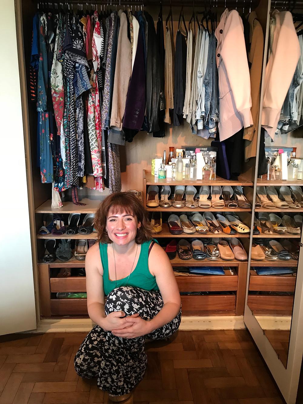 Karina e o armário da cliente