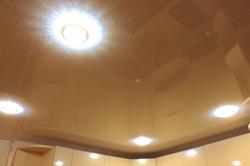 Натяжной потолок в подарок