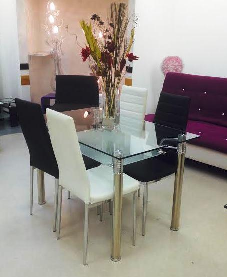 Chaise blanc/noire
