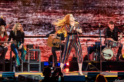 05/04/2019, Austin, Caylee Hammack, concert, country music, Denise Enriquez, Frank Erwin Center, iHeart Country Music Fest, live music, May 4 2019, photography by deni, Singer, Singing, Songwriter, Texas, Vocalist, Vocals, deni
