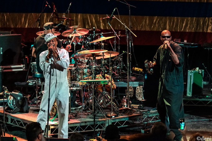 Angelo Moore, Fishbone, Aztec Theater, San Antonio, Texas, 08/23/2019, August 23 2019, vocals, vocalist, singing, singer, songwriter, One Nation Under A Groove, funk, 'Dirty' Walter Kibby, band member, tour, concert, live music, Denise Enriquez, photography by deni, deni