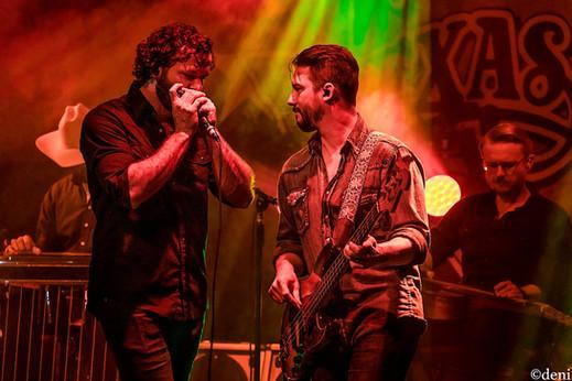 harmonica, Aaron Lewis, Tyler Hall