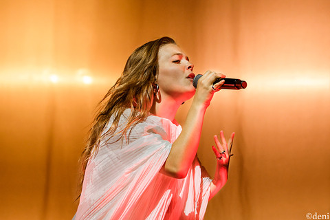 10/19/19, Austin, Austin City Limits Live, concert, Denise Enriquez, Heard It In A Past Life, live music, Maggie Rogers, October 19 2019, photography by deni, singer, singing, songwriter, Texas, tour, vocalist, vocals, deni