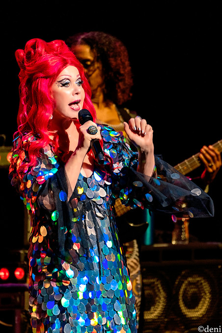 Kate Pierson, B52s, Bass Concert Hall, Austin, Texas, 08/22/2019, August 22 2019, vocals, vocalist, singing, singer, keys, keyboards, pianist, pianist, synthesizer, trio, Love Shack, University of Texas, band, band member, tour, concert, live music, Denise Enriquez, photography by deni, deni