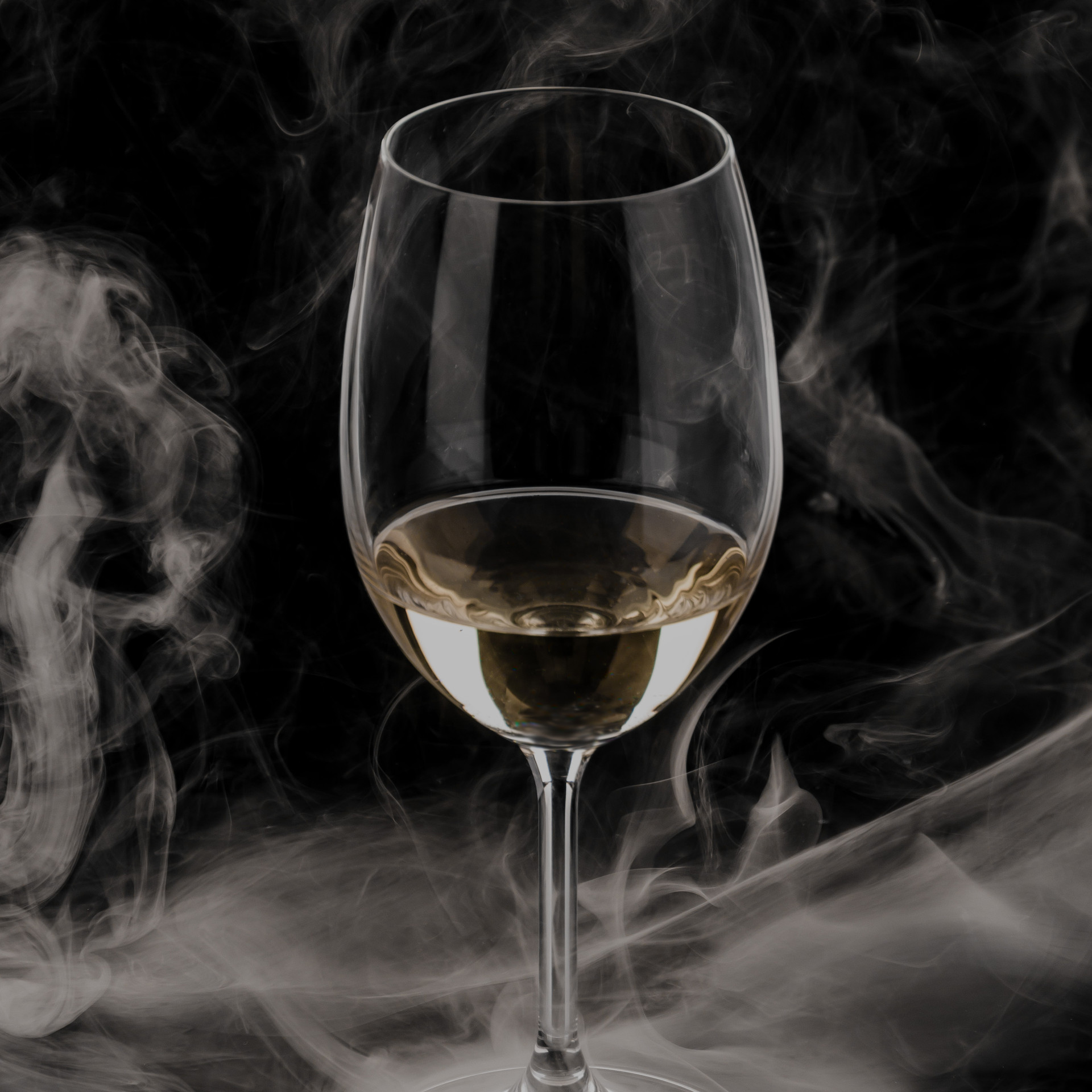 Weinglas Kathrin Gindl Smoke on the wate