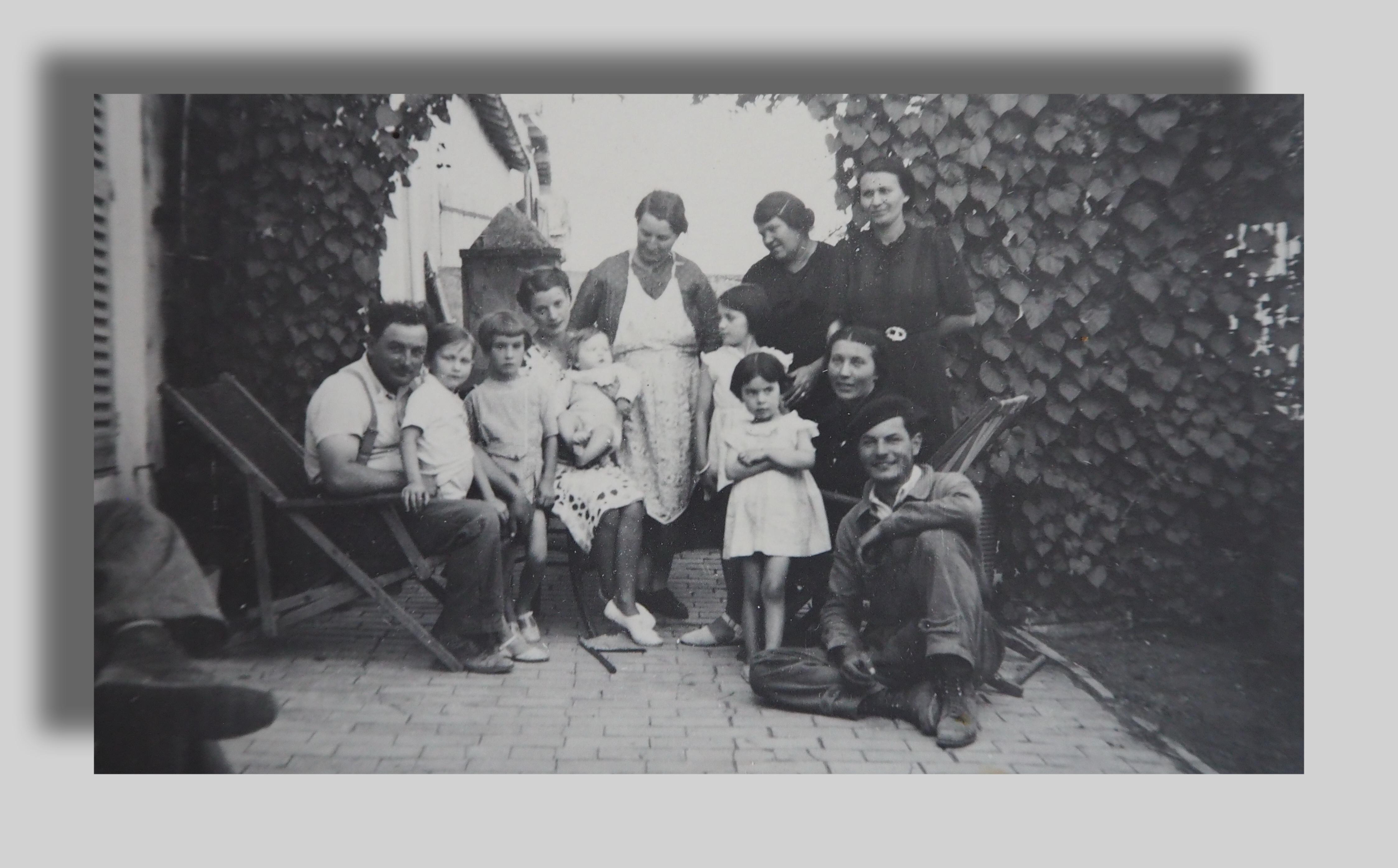 3.2 - 3 générations à Souaghi.JPG