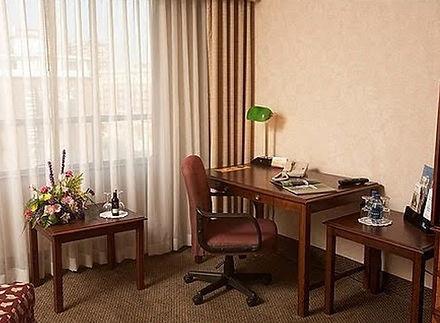 hotel_rooms2.jpg