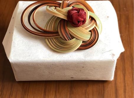 竹のブローチ