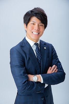 千代田区 税理士 若い.jpg