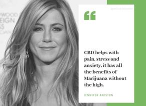 People : De Jennifer Aniston à Whoopi Goldberg, 10 histoires de femmes et de marijuana