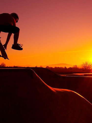 skateboard-wallpaper-movanaqe-skateboard