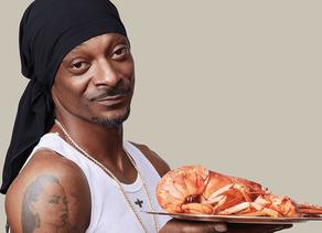 Cuisine :Ça fume en cuisine : le livre de recettes de Snoop Dogg sort enfin en français