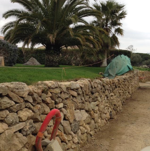 Fin du mur en pierres Poujade