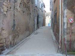 Rue Jean Moulin en béton désactivé