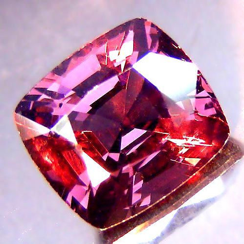 Striking 3.21 Cts Natural color change Spinel from tanzania