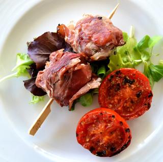 Deliziosi Spiedini di carne allo Speck