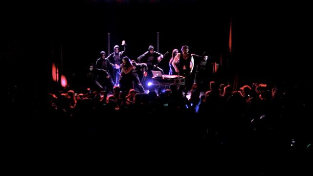 Sylvan Esso - H.S.K.T [live at the Haw River Ballroom]