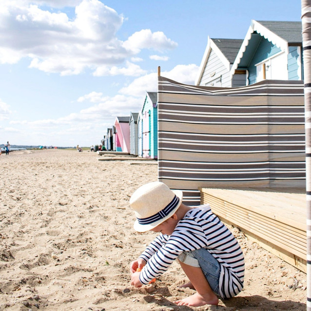 Mersea Beach Hut 213 - Cool Coastal Huts