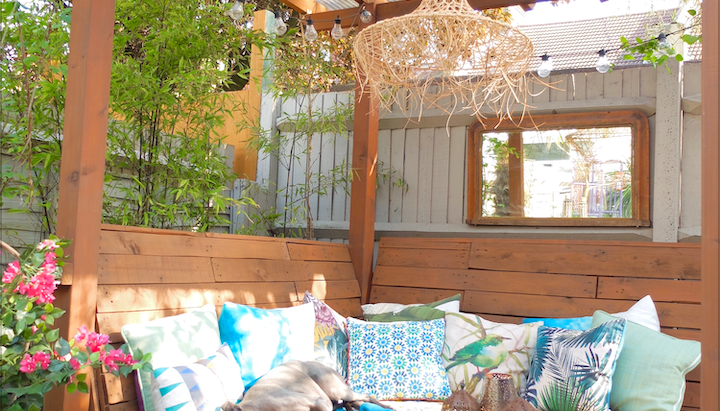 HOW TO CREATE A MOROCCAN-INSPIRED GARDEN LOUNGE ON A BUDGET