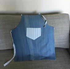 $10 Blue denim apron