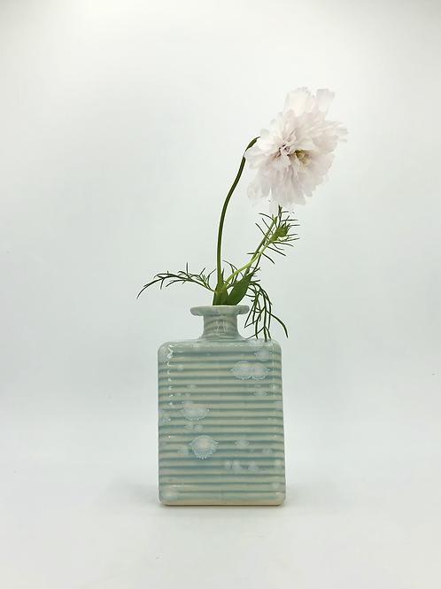 Rool Vase in Ice Bloom