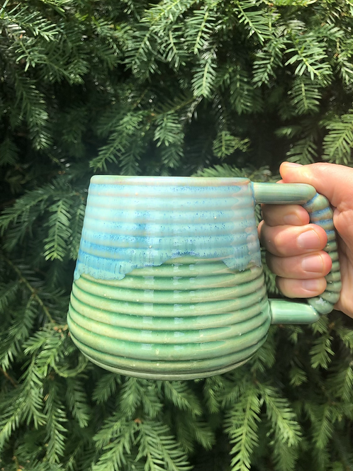 Ludo Mug with Horizontal Texture in Green Flux