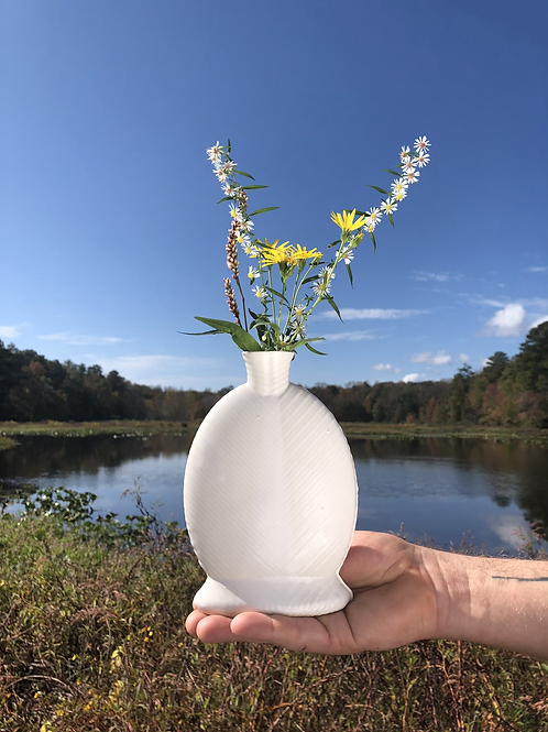 Willow Vase in White