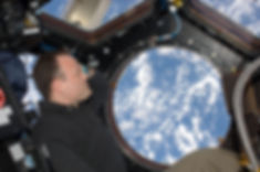 1.7mb-Ron-Garan_aboard-ISS-photo-credit-