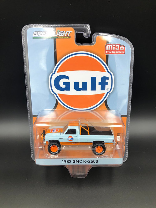Greenlight MiJo Exclusive 1982 GMC K2500 4x4 Pick Up Truck Gulf