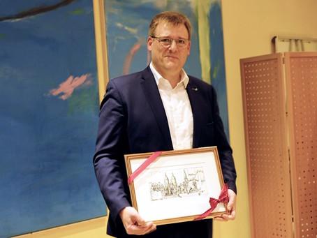 Klaus Menold seit Oktober 2020 Ehrenvorsitzender - Laudatio von Ulrich Zwissler