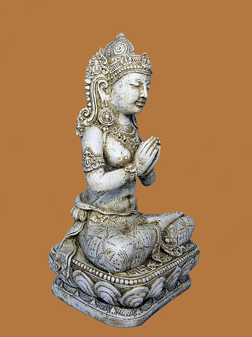 A Praying Buddha Sculpture for your Home