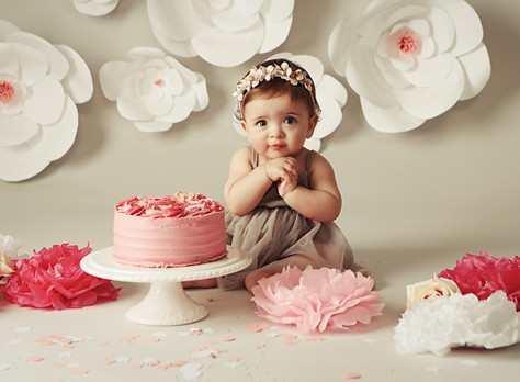 First Birthday Cake Smash Photoshoot | Celebrate Turning ONE in Style