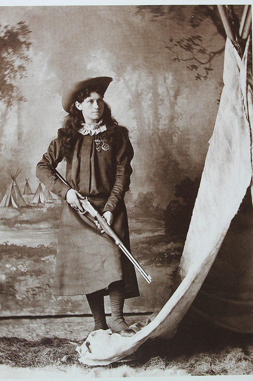 Annie Oakley with gun