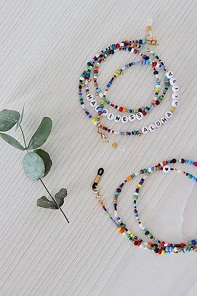 Multitalent aus bunten Perlen mit personalisierter Botschaft