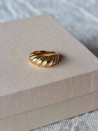 OUI | Vergoldeter Ring im Crossaint Style (wasserfest)