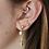 Verschiedene Ohrringe an Mirjams Ohr