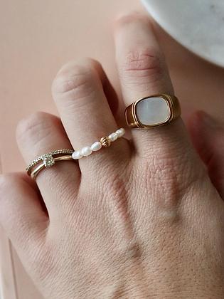 KALA | Ring aus Süßwasserperlen und ZIer-Perle