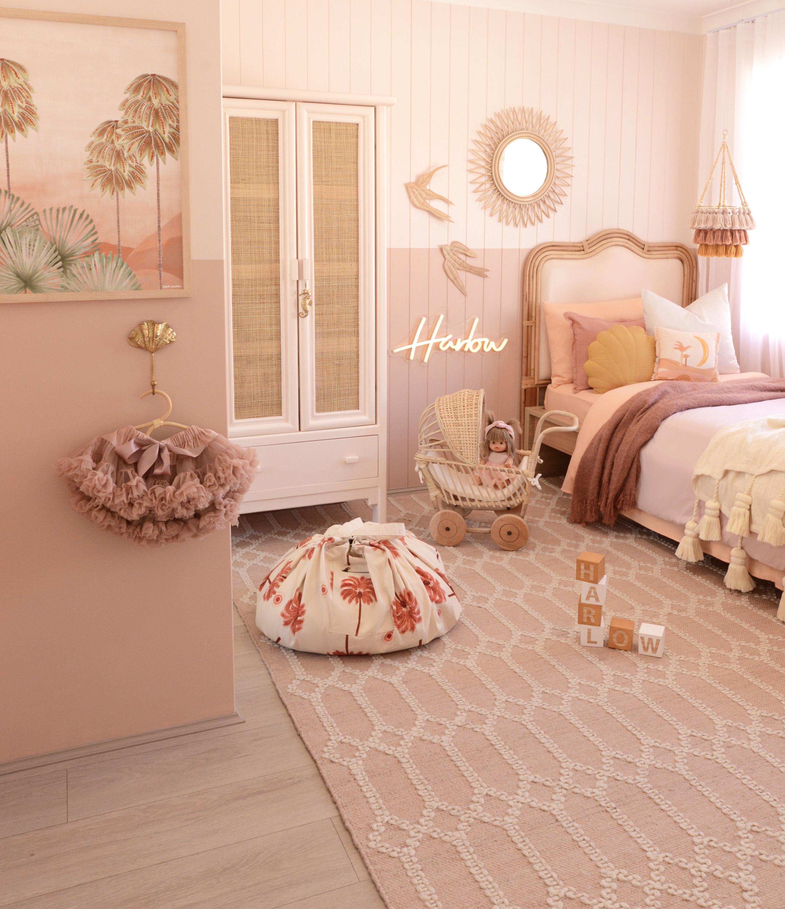Harlows bedroom 1