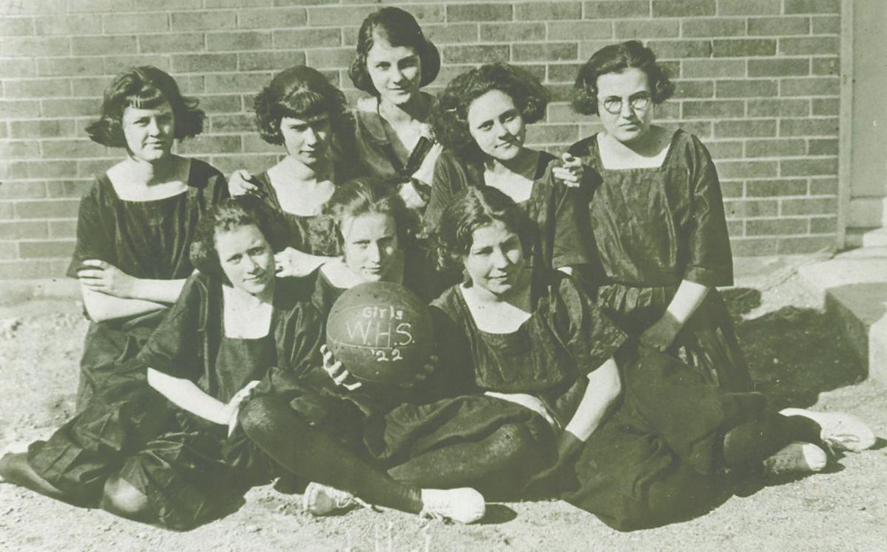 Waynetown had varsity girls basketball in during the 1920s.