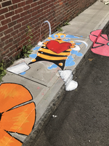 Max Pro painted a bee