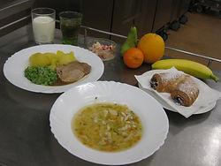 školní jídelna Sládkova