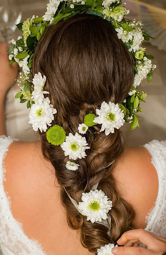 Wedding Flowers in her hair