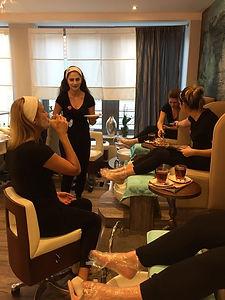 Junggesellenabschied in einem Kosmetikstudio inHamburg
