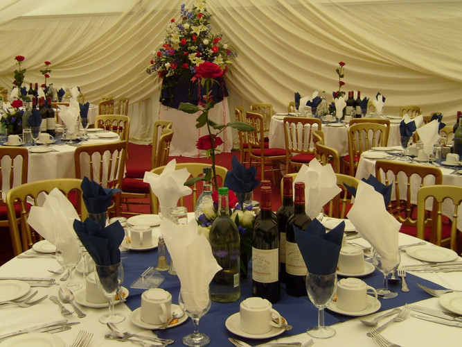 Marquee Wedding - Gingham caterers